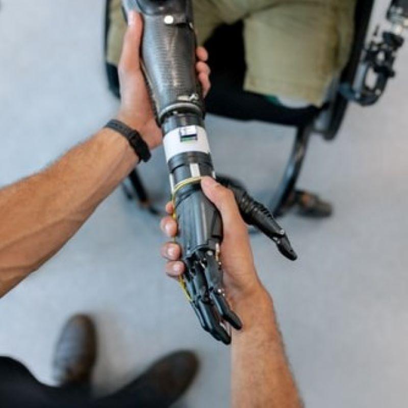義肢にも多様性の時代。最新テクノロジーと伝統工芸の融合とは?の写真